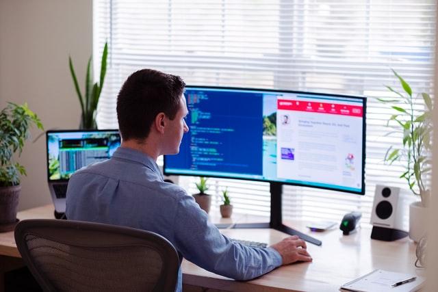 برنامه های مبتنی بر وب امور سهام شرکت پارس سیستم آشنا